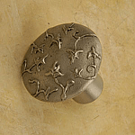 AP#237 English Ivy Round Knob