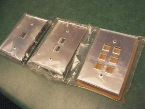 Acrylic mirrored low voltage switchplates